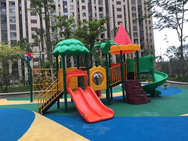 波隆城市花园儿童滑梯安装实例